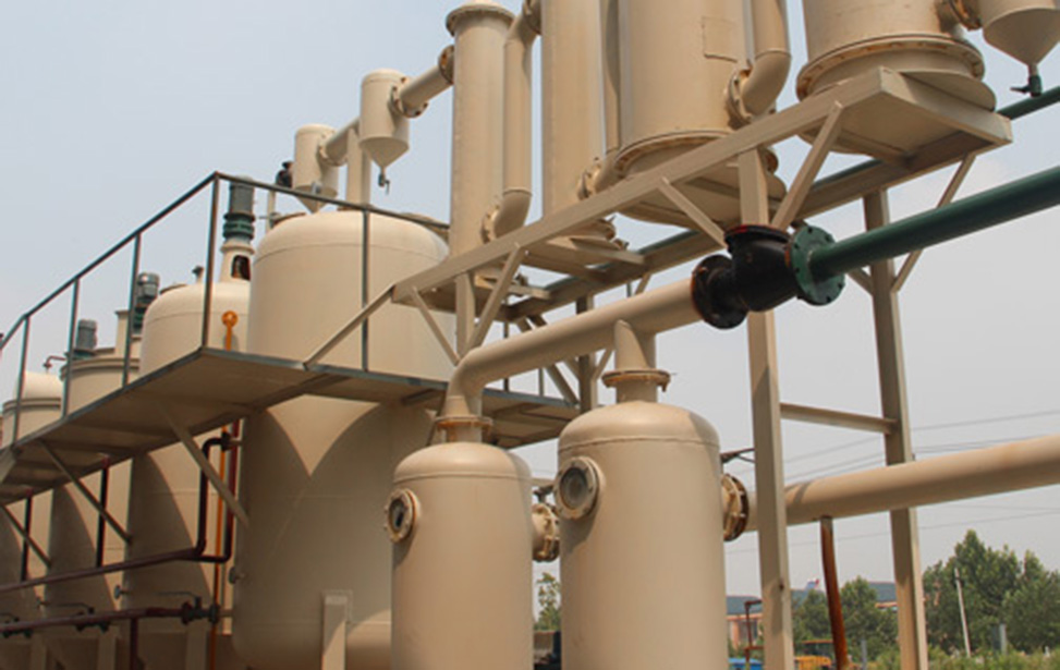 Extracting diesel from waste oil refinery equipment