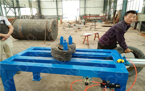 Tire packing machine