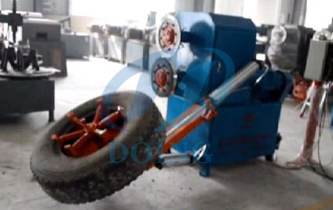 Tyres cutting machine for both two-side running case