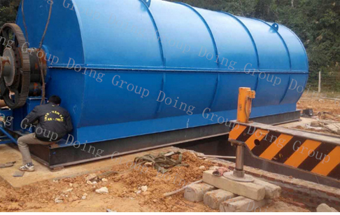 Vietnam installing 10T capacity waste tyre pyrolysis plant
