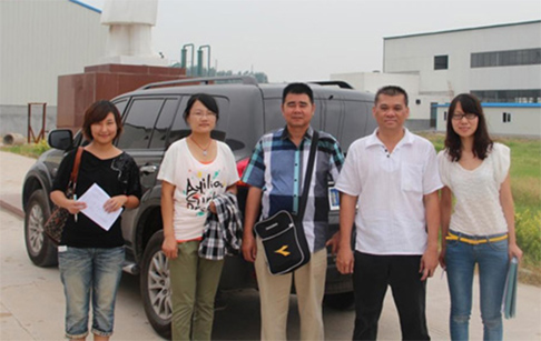Malaysia customer came to buy waste tire pyrolysis machine