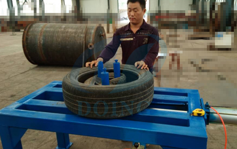 Tyre compression machine