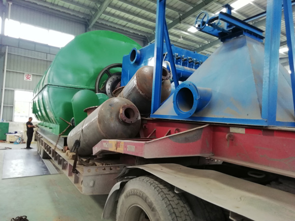 Tangshan customer's waste tire pyrolysis plant was delivered