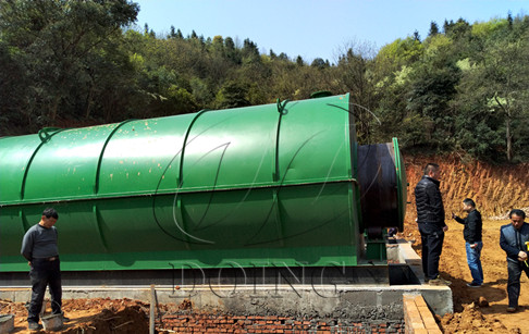 New design pyrolysis plant convert waste plastic to fuel oil