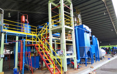 One set 5 ton used engine oil refining machine being installed in Malaysia