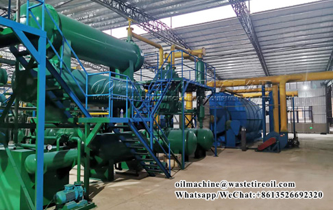 What are the factors affecting chemical pyrolysis of plastic to fuel?