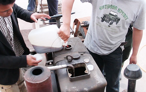 The video of running tractor with diesel fuel from refinery plant