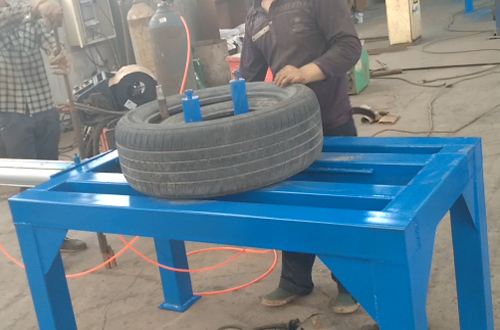 Tyre doubling machine runing video